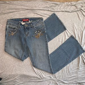 Guess Jeans Bootcut with Gold Details